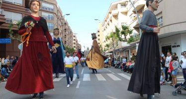 El humor toma el relevo de la fiesta en la popular Cabalgata de Vila-real