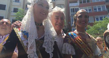 Joan Ribó se desplaza a Alicante para compartir de Las Hogueras de San Juan