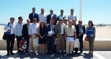 Diez clubes náuticos de la ACNCV renuevan la Bandera Azul