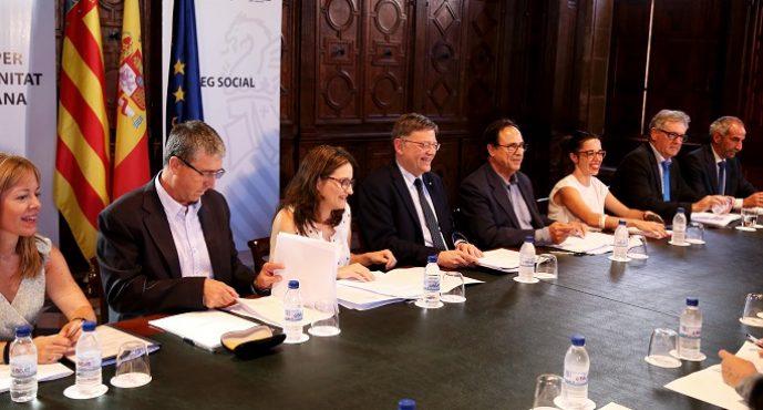 El Consell pone en marcha con patronal y sindicatos un principio de diálogo social