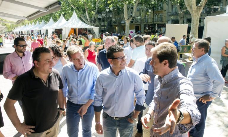 Jorge Rodríguez visita la Fira d'agost de Xàtiva foto_Abulaila (1)