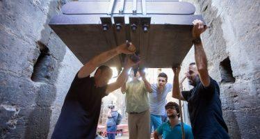 Los campaneros del Miguelete aprietan los tornillos en el 'repret' de San Lorenzo