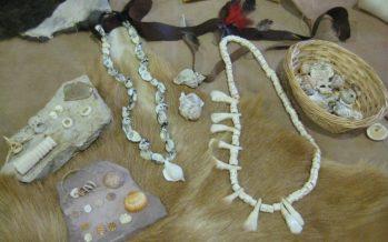 El Collar del Parpalló: taller d'ornamentació històrica a Gandia