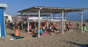 Buena acogida del programa de actividades deportivas en las playas de Dénia