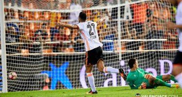 Rodrigo y Rafa Mir muestran al mejor Valencia CF del verano (2-1)