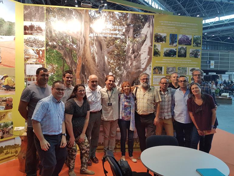 La concejal a de medio ambiente participa en el i sal n - Jardineria en valencia ...