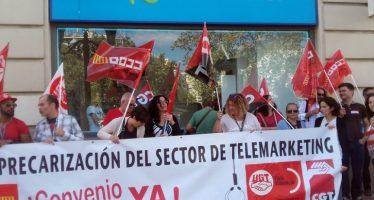 Los trabajadores de telemarketing se concentran en Valencia contra la precariedad del sector