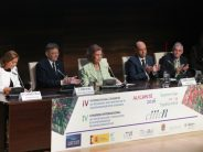 Puig reafirma el compromiso del Consell en la lucha contra las enfermedades neurodegenerativas