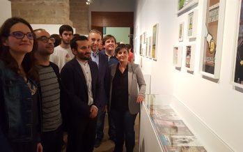 Oltra inaugura en Valencia la exposición 'XXX Lambda. Relatos íntimos de activistas LGTB'