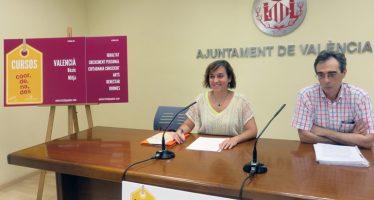 La Universitat Popular oferix cursos per a facilitar l'accés al Valencià