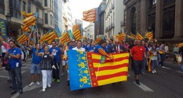Procesión cívica del 9 d'Octubre, pero menos