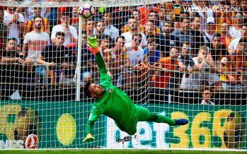 Un épico Alves no logra evitar el asalto atlético a Mestalla (0-2)