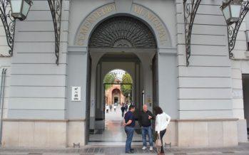 Eusebio Monzó y Lourdes Bernal depositarán un ramo de flores a los pies de la Cruz del Cementerio General