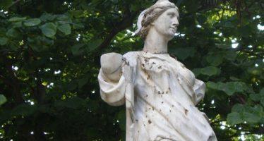 Patrimonio Cultural restaura seis esculturas de los Jardines de Viveros