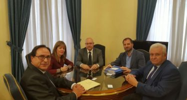 Soler garantiza a la Asociación de la Empresa Familiar de Alicante los beneficios fiscales de la reforma tributaria