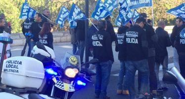 Los Policías Locales se manifiestan contra la reforma policial de Puig