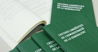 La Generalitat conmemora los 33 años de la Llei d'Ús presentando sus criterios lingüísticos