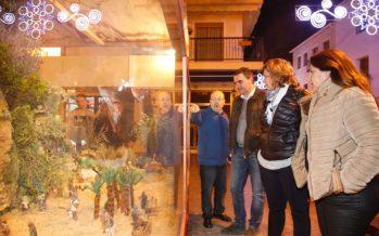 L'Alfàs del Pi inauguró el Belén en la Plaza Mayor