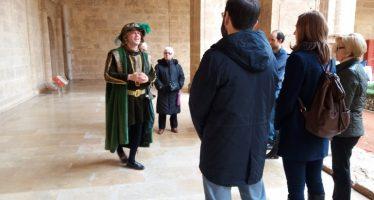 La Biblioteca Valenciana acoge la visita teatralizada del príncipe Hamlet