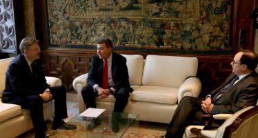 Puig anuncia un convenio con Air Nostrum para promocionar la oferta turística de la Comunitat