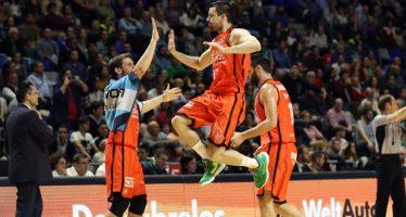 Quinta victoria consecutiva del Valencia Basket en la pista de Unicaja (83-91)