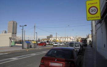 Nuevas barandillas de seguridad y pasos de peatones pacifican el tráfico en La Torre