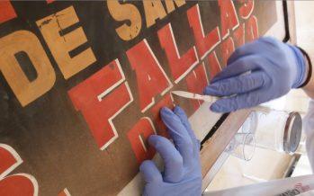 Cinco carteles históricos de Fallas lucen restaurados en el Museo Fallero de Valencia