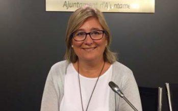 Mamen Peris pide que se explique en el Pleno cuál es la situación laboral de Carles Recio