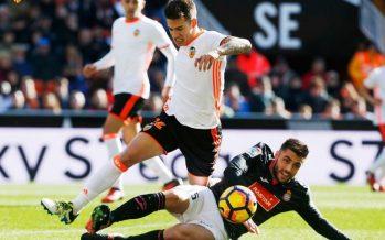 El Valencia CF rompe el maleficio ante el Espanyol (2-1)