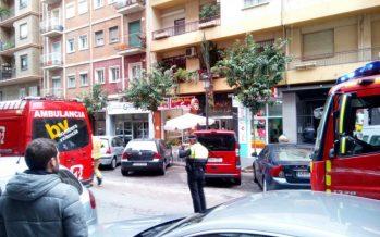 Una mujer, herida en un incendio en su casa de la calle Lérida