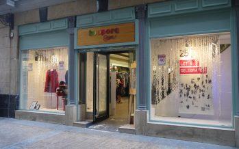 Caritas abre en Oliva la primera Tienda con Corazón de la diócesis de Valencia