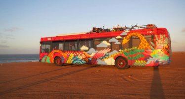 Un autobús donado por EMT Valencia con material escolar llega a Mali