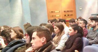 Javier Villoria analiza la política plurilingüista con los alumnos del Master en Educación Bilingüe