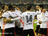 El Valencia CF da una alegría a la afición de Mestalla y doblega al Real Madrid (2-1)