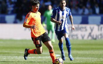 El Valencia CF pierde en Vitoria por la defensa (2-1)