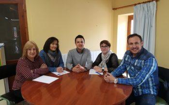 Se consolida el nuevo modelo educativo en la Escuela de Personas Adultas de Chiva