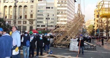 Entre 200 y 300 personas plantaron al Tombe la Falla Municipal más alta de la historia