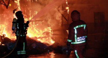 Els bombers supervisen les Falles d'alt i mitjà risc per a planificar el dispositiu de la Cremà
