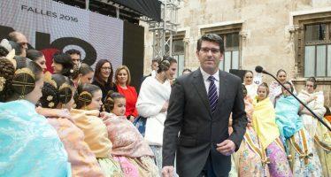 Las lluvias obligan a Diputación a posponer al miércoles la tradicional recepción fallera