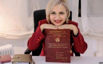 La valenciana Ania Granjo es galardonada con la Estrella de Oro a la excelencia profesional