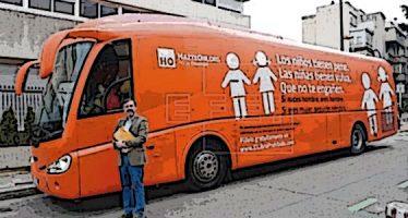 El Consell avisa: El bus de Hazte Oír no es bienvenido en la Comunitat Valenciana