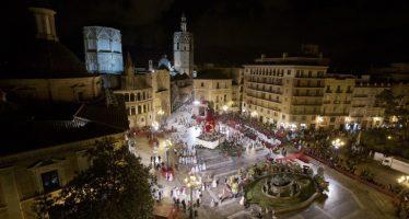 Una pasarela en la confluencia entre Plaza del Ayuntamiento, San Vicente y Mª Cristina permitirá el paso en la Ofrenda