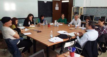 Isabel Lozano es reunix amb entitats que treballen amb població gitana al Cabanyal