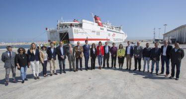 Parteix des del port de Gandia el primer Ferri a Eivissa