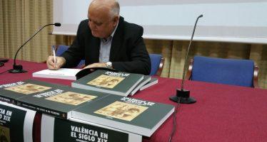Rafael Solaz presenta su 'Valencia en el siglo XIX' con imágenes inéditas