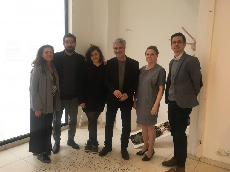 Solimán López, Director de I+D+i de la Escuela Superior de Arte y Tecnología, ESAT y coordinador de la muestra (segundo por la izquierda) y Antonio Soto, Director de los Estudios de Arte y Diseño de ESAT (cuarto por la izquierda), junto con Klaus Fruchtnis (Vicerrector de PCA, Paris), y miembros de la dirección de PCA.