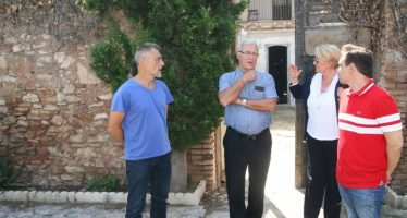 Ribó se reúne con el vecindario de Cases de Bárcena