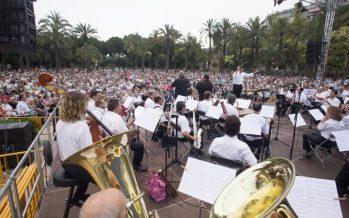 La Banda Municipal celebra la entrada del verano con su concierto gratuito en la plaza de la Virgen