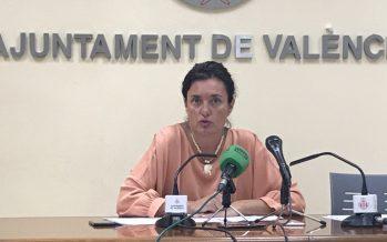 """Beatriz Simón: """"Peris ha convertido Las Naves en un círculo de Podemos"""""""