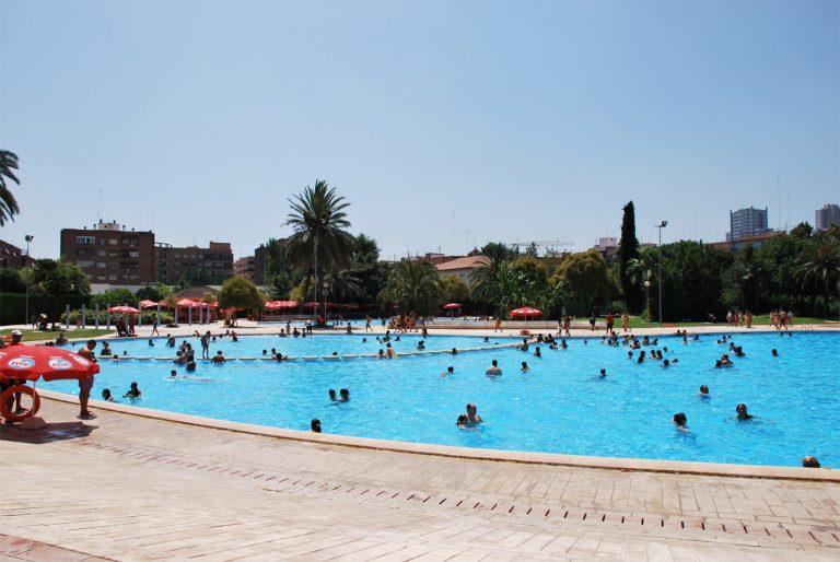 Las piscinas municipales de val ncia abiertas hasta el 10 for Piscinas municipales zaragoza 2017